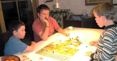 Carcassonne New World - ett roligt spel för barn från 8 år.