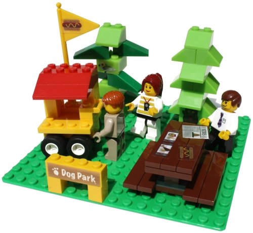 BrickStix avtagbara och återanvändbara klistermärken till Lego® och andra plastklossar.