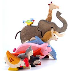 Fina djurfigur i trä från HolzTiger på ABC Leksaker